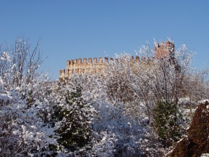 Castello dopo nevicata