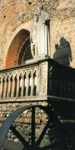 Particolari del castello di Monguzzo