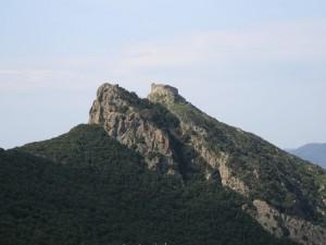 il castello del Volterraio  .