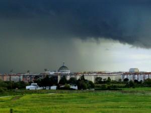 arriva il temporale a Cinecittà