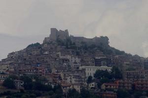 Il castello che domina il paese