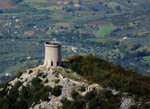 Torre di monte Morrone vista dal Gennaro