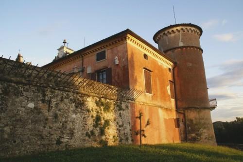 Premariacco - le mura di Rocca Bernarda