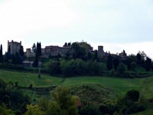 Panoramica del paese Castello di Serravalle
