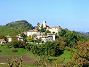 Panoramica del paese Montecorone