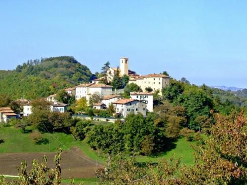 Zocca - Panoramica del paese Montecorone