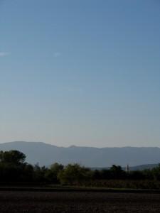 il campanile e le montagne
