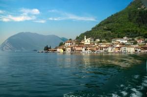 Peschiera Maraglio. Monte Isola: Lago d'Iseo.