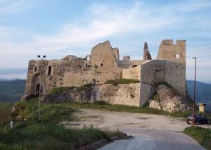 Il castello sulla Valle del Biferno