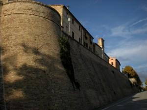 Costeggiando le mura…