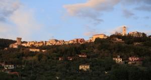 Castelnuovo Magra al tramonto