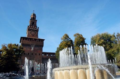 Milano - INGRESSO AL CASTELLO CON FONTANA