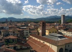 Lucca i suoi tetti