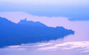 Il Castello di Angera….visto dal Belvedere del Golf Club Des Iles Borromees