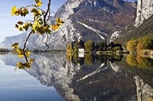 Il lago di Toblino in autunno