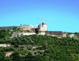 Le rovine di Castel Gavone