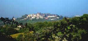 Monte Porzio Catone abbracciato dal verde
