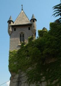 Torre sulle mura perimetrali