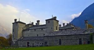 CAstello di Issogne dall'interno del recinto