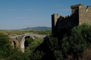 Ponte romano e castello medioevale