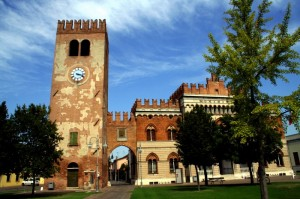 La torre civica di Marmirolo