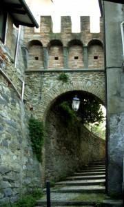 Porta d'ingresso a Tossignano….molto molto nascosta…