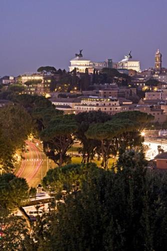 Roma - Osservando L'altare della Patria