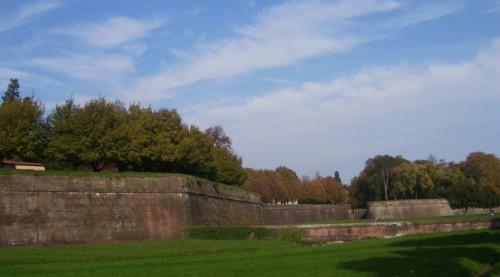 Lucca - Lungo le mura