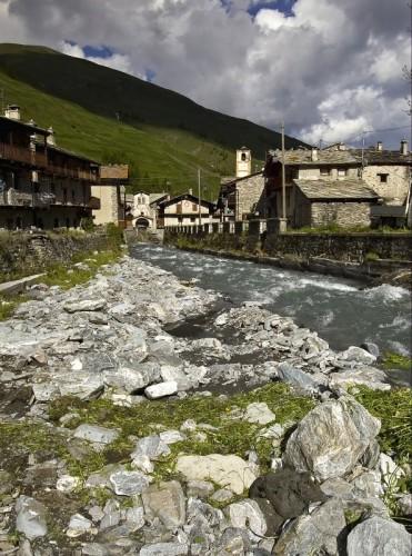 Pontechianale - 'A cavallo' del torrente