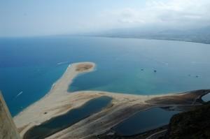 Spiaggia di Marinello vista dal santuario della Madonna del Tindari