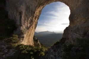 Galtellì, Sa Pedra Istampada (la pietra forata)