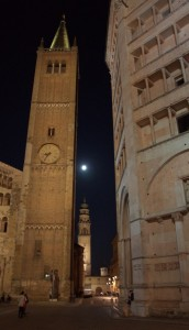 Piazza del Duomo by night