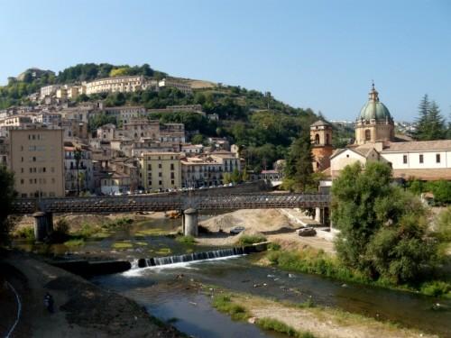 Cosenza - panorama di Cosenza alla confluenza dei fiumi Crati e Busento