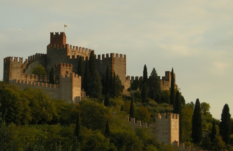 ''Il Castello Medioevale di Soave'' - Soave