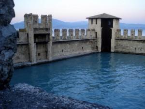 fortezza nel lago di garda