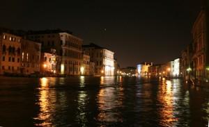 quiete notturna sul canal grande