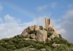 Arcobaleno sul Castello di Pedres