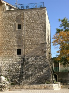 La torre di Collelongo