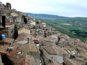 dai tetti alla valle