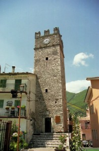 La torre sopravvive