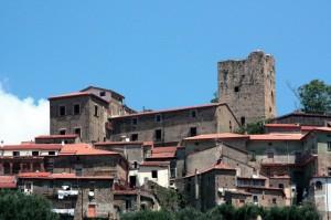 la torre Normanna e il castello baronale di Novi Velia