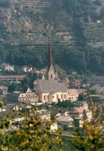 Dall'alto Silandro ed il suo campanile