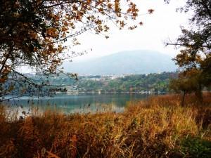 Tenna  e Colle Brenta visti dal lago