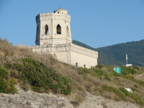 Santa Marina Salina - C'era una volta un castello...
