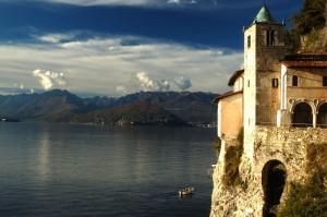 Santa Caterina del Sasso e Lago Maggiore