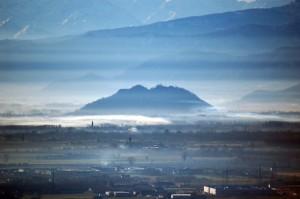 Rocca di Cavour nella nebbia