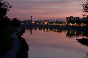 "Prato    ""by night"" in rosa"