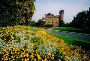 il castello medioevale del valentino in primavera