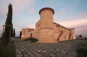 Colle Massari, il castello al tramonto