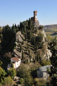 Brisighella - La Torre dell'orologio nell'azzurro del cielo